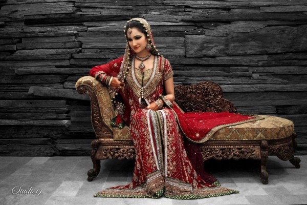 Eastern Bridal Outfit Ideas (12)