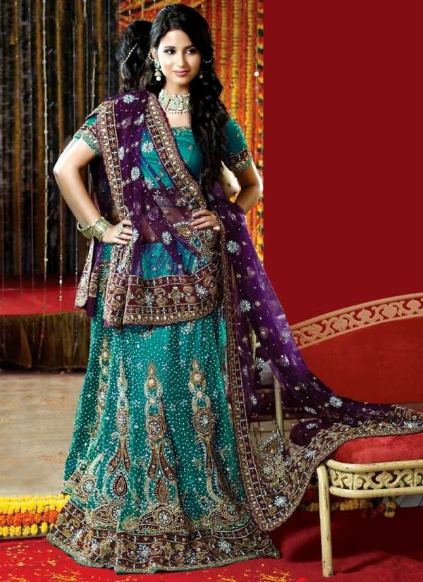 Eastern Bridal Outfit Ideas (1)