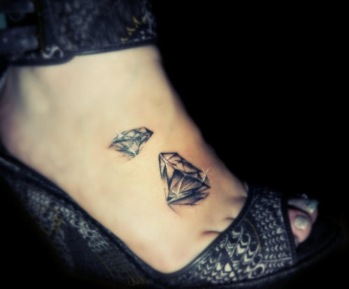40 outstanding collection of diamond tattoos for tattoo for Tattoos of diamonds