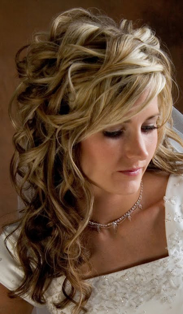 21-Cute-Hairstyles-For-Prom-Long-Hair-22