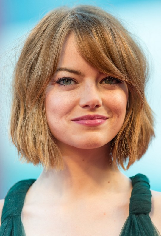Emma-Stone-Short-Bob-cut-with-bangs