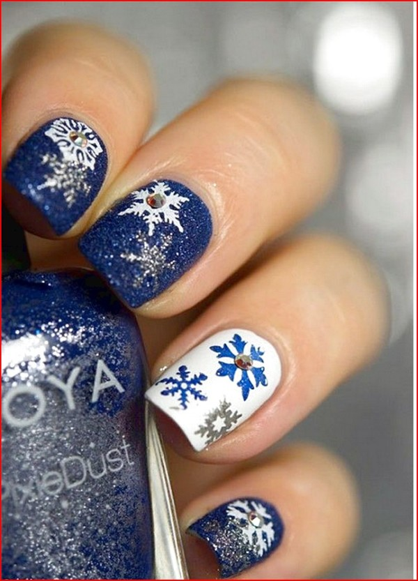 Winter-Blue-Sticker-Nail-Art-Trends