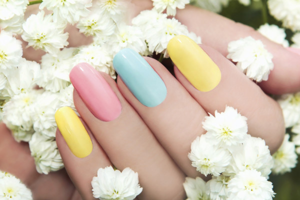 opener-five-permeable-breathable-nailpolishes-ramadan-2015-love-your-nails-inglot-h-by-bci-group-tuesday-in-love-acquarella