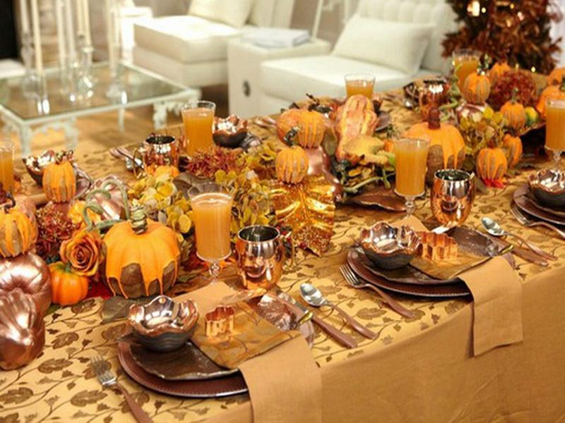20 Thanksgiving Celebration Ideas: decorating thanksgiving table