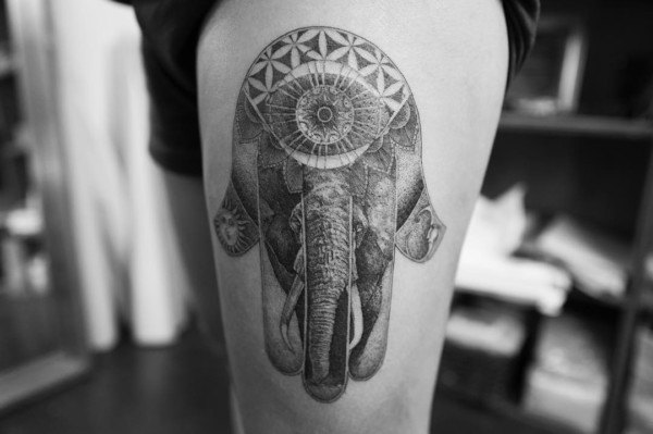 Mehndi Tattoo Hip : Elephant henna tattoo on the hip impfashion all news about
