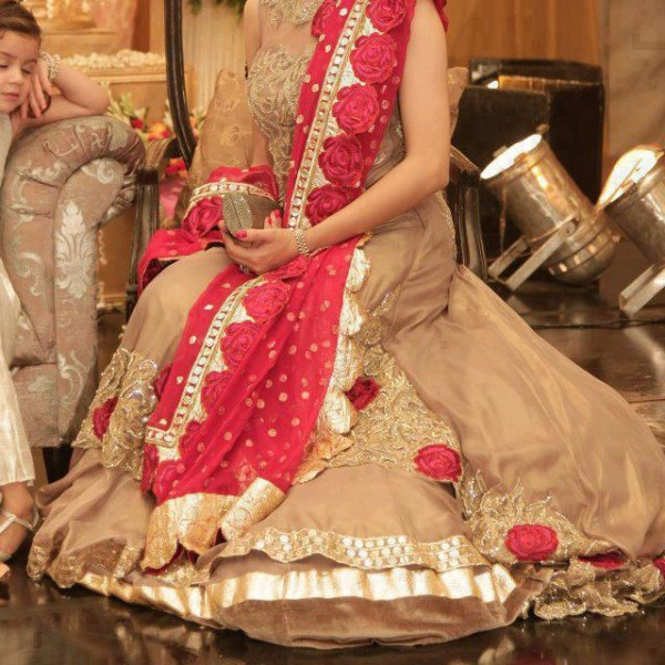 Eastern Bridal Outfit Ideas (15)