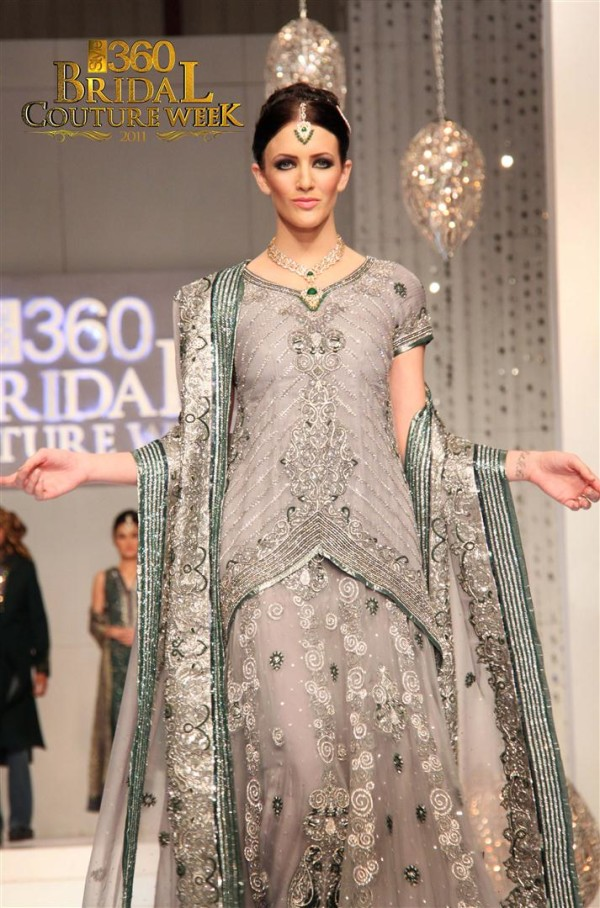 Eastern Bridal Outfit Ideas (13)