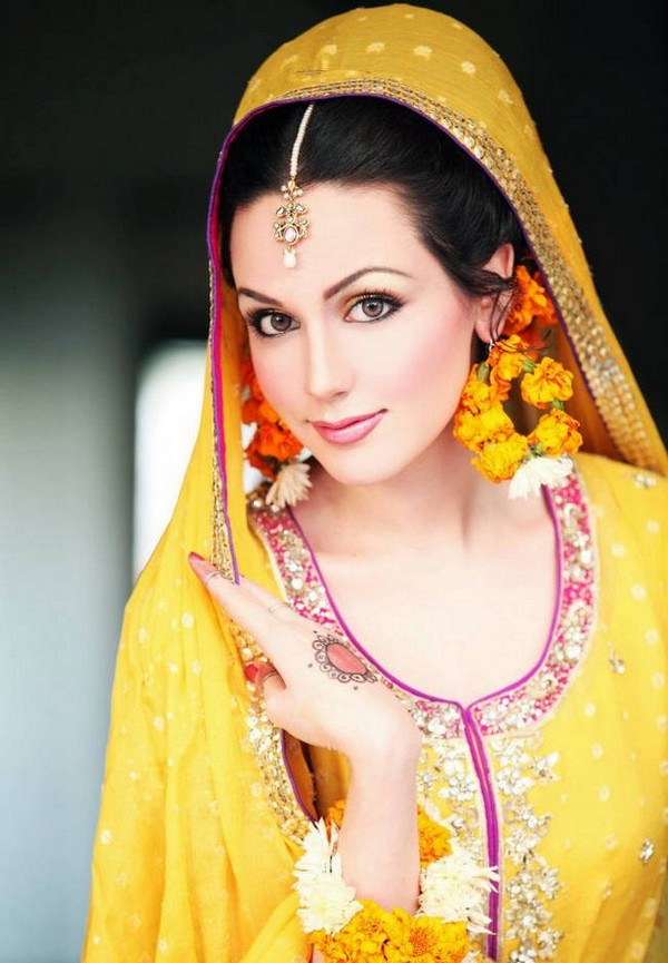 Eastern Bridal Outfit Ideas (10)