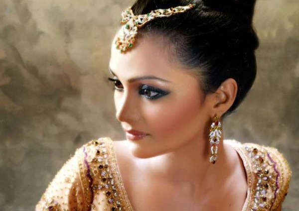 Eastern Bridal Outfit Ideas (4)