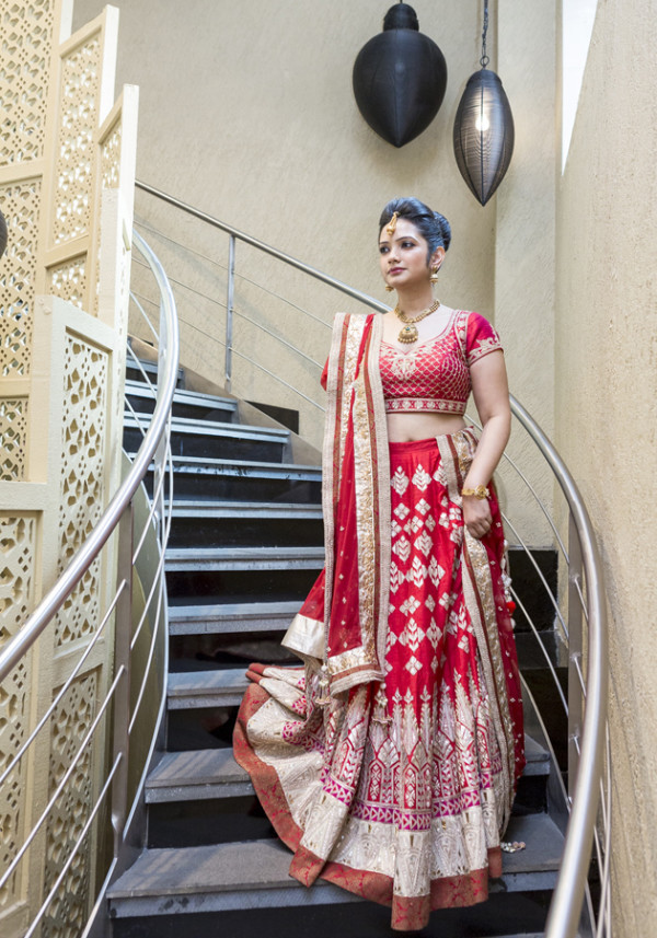 Eastern Bridal Outfit Ideas (16)
