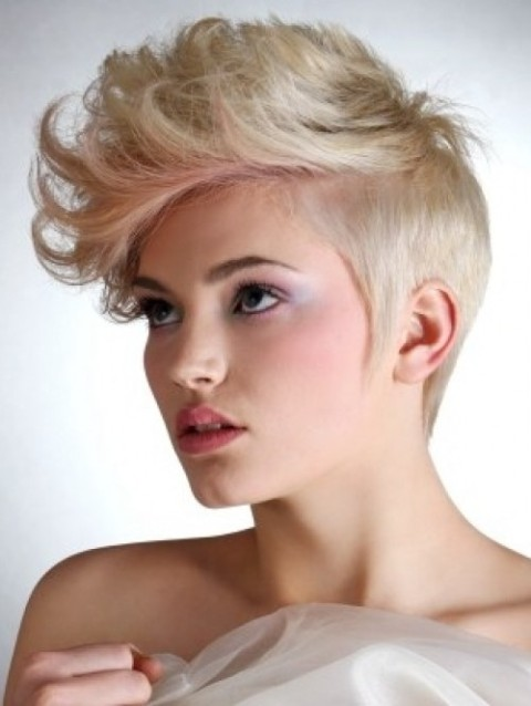 Cool-Short-Hairstyles-for-Women-Blonde