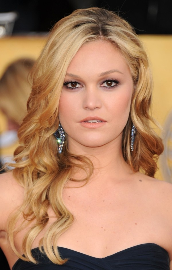 LOS ANGELES, CA - JANUARY 30: Actress Julia Stiles arrives at the 17th Annual Screen Actors Guild Awards held at The Shrine Auditorium on January 30, 2011 in Los Angeles, California. (Photo by Jason Merritt/Getty Images)