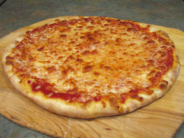 Dolce Carne/Plain Cheese pizza