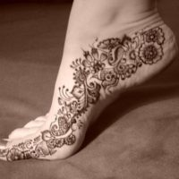 Bridal Mehndi Design for Feet Wallpaper